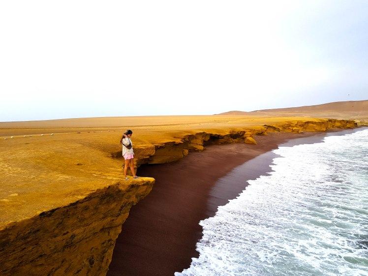 Playa Roja, Paracas.